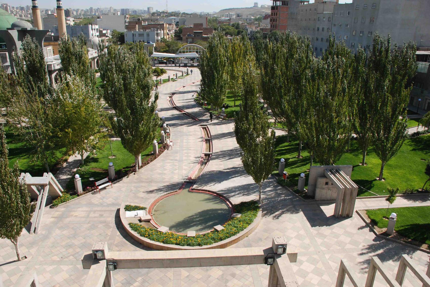 پارک طوبی و بوستان مفاخر تبریز (مقبره سالار ملی)