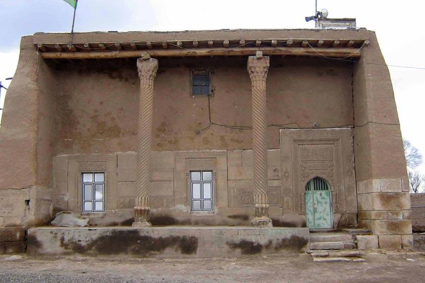 مسجد سنگی اسنق (سراب)