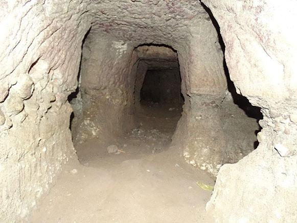 غار نعیم خلجان